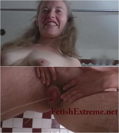 Hairy Pissing Girls 02