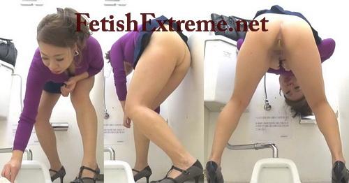 [SL-029] 覗き込み大便 うんこが気になる女達 投稿 脱糞 Standing Shitting in Toilet Voyeur