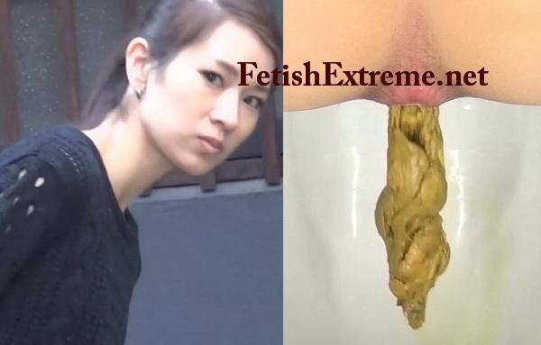 [FF-093] 盗覗4カメうんこ 流す女と流さない女 スカトロ ジェイド Close up girls pooping on toilet spycam