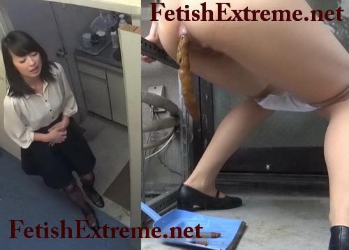 [SL-100] 限界 社内緊急ベランダ大便2 スカトロ シャリラ Blocked toilet despair girls pooping